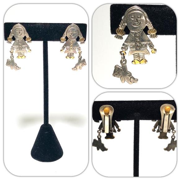 Unsigned Jewelry - Raggedy Ann Teddy Bear Classic Silver Earrings